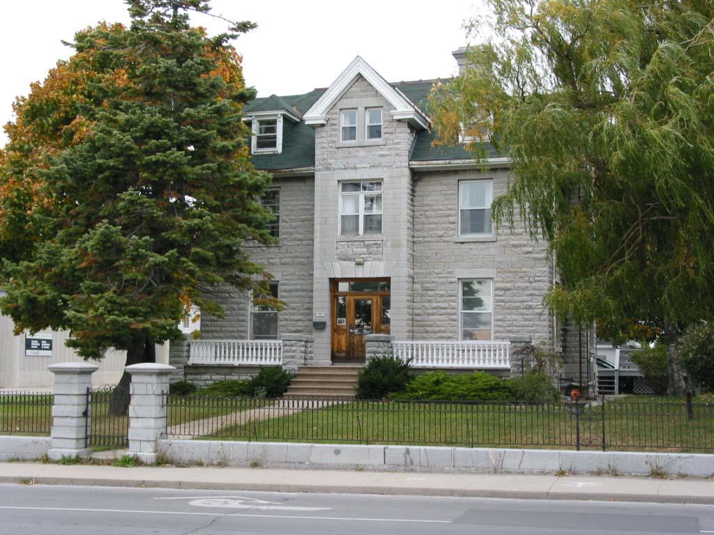 Isabel Macneill House